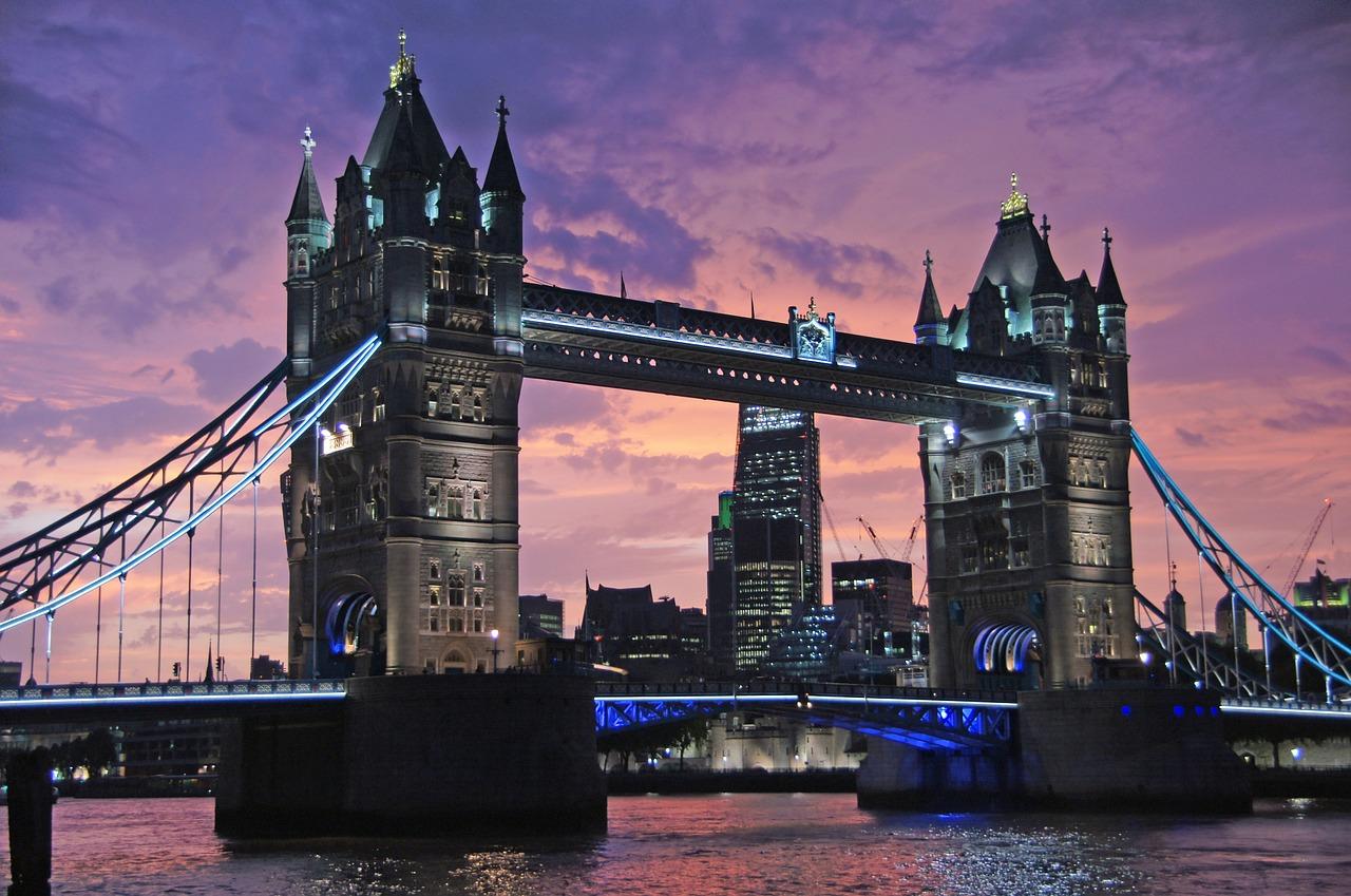fotografia de la torre y el puente de londres